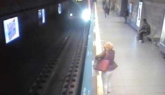 Metro istasyonunda intihar vakası