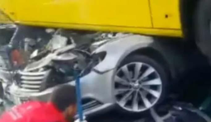 Metrobüs kazasından ilk görüntüler FOTO-VIDEO