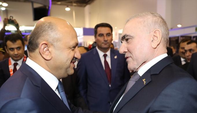 Milli Savunma Bakanı Işık Azerbaycan'da