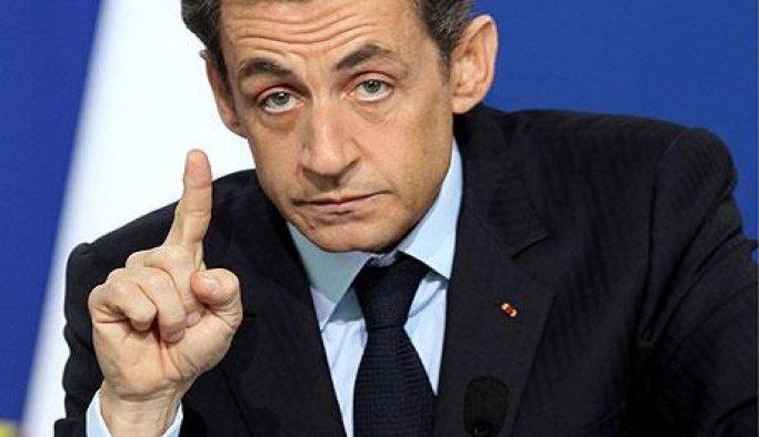 Sarkozy'ye 'Vahabizm' suçlaması