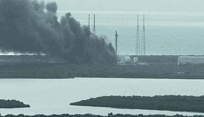 SpaceX Falcon 9 roketi testi sırasında patlama