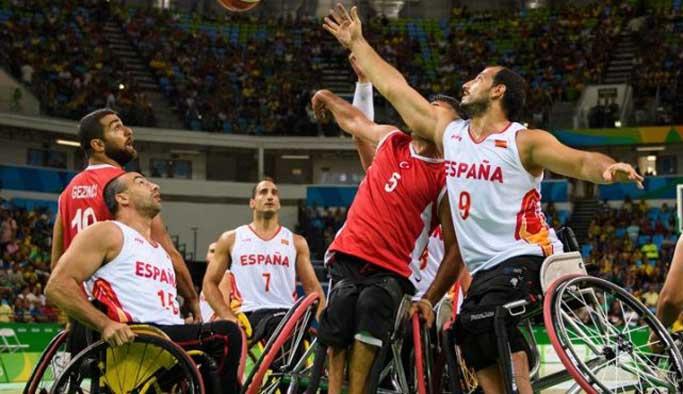 Tekerlekli basketbol takımı yarı finale çıktı