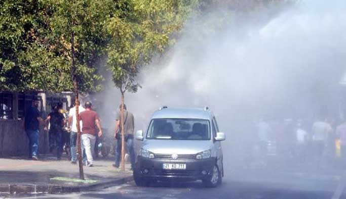 Terör şüphelisi öğretmenler polisle çatıştı