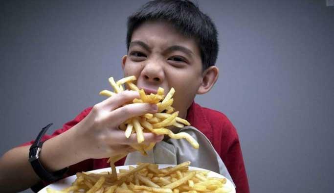 Tıkınırcasına yeme bir hastalık