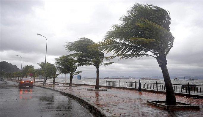 Tropikal fırtına Vietnam'da can aldı
