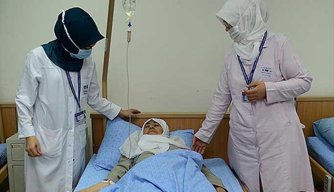 Türk hacı adayları hastanelere akın etti