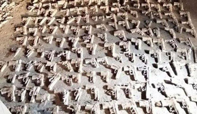 Üsküdar'da çok sayıda tabanca bulunması