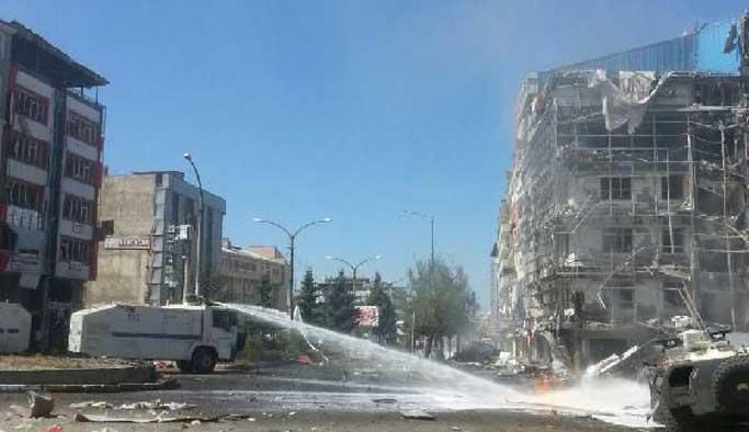 Van'da bombalı saldırı, çok sayıda yaralı