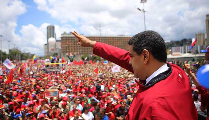 Venezuela liderinden Castro onuruna anma töreni