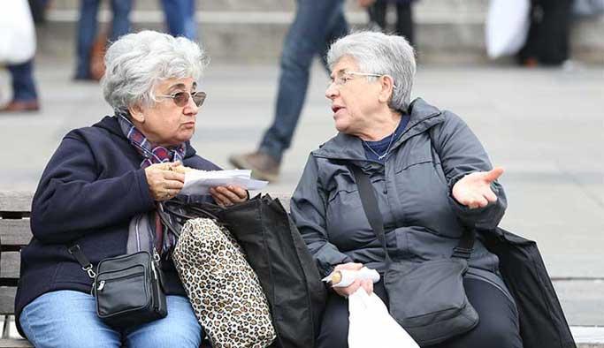 Yaşlılara kötü muamele yaygınlaşıyor