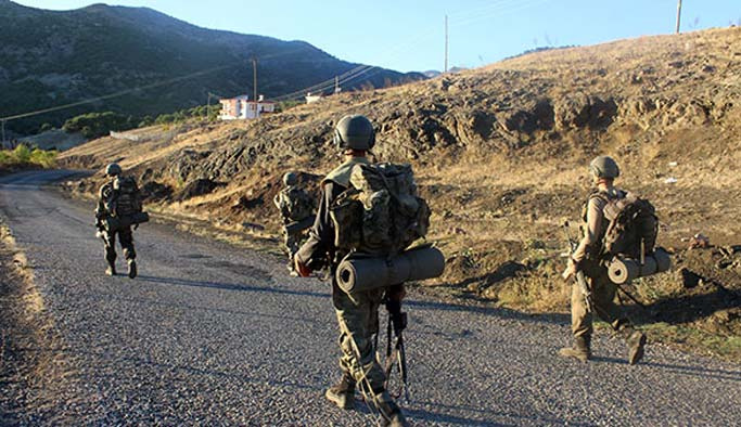 Gri listedeki iki terörist Erzurum'da öldürüldü