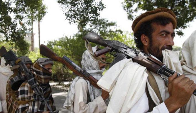 Afganistan'da rehine krizi katliama dönüştü