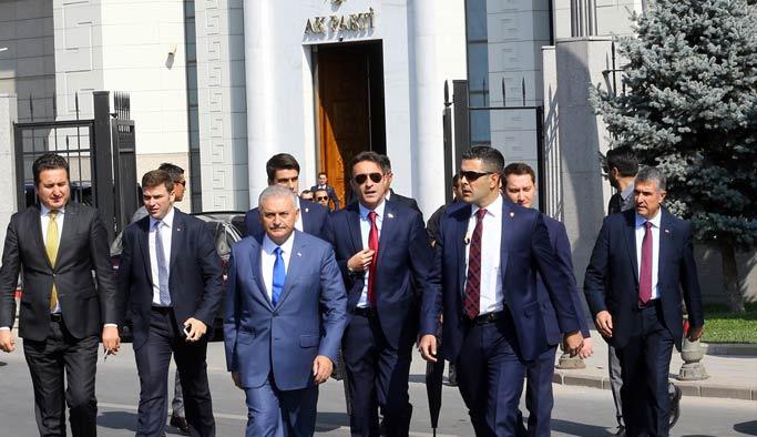 AK Parti Genel Merkezi'nde 10 saatlik görüşme maratonu