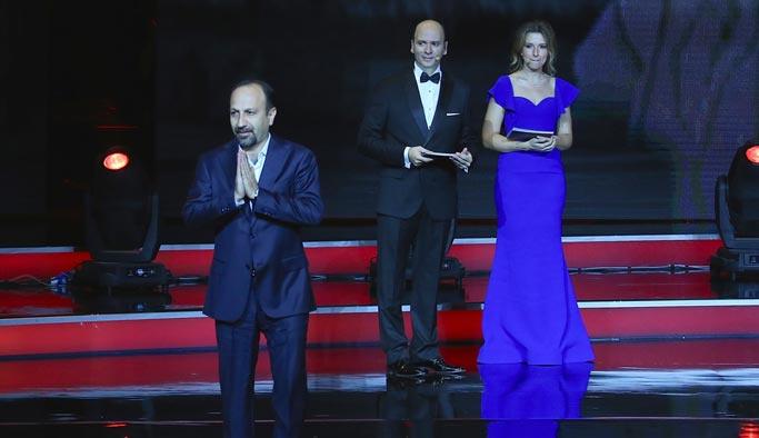 Altın Portakal'da en iyi film ödülü Mavi Bisiklet'e
