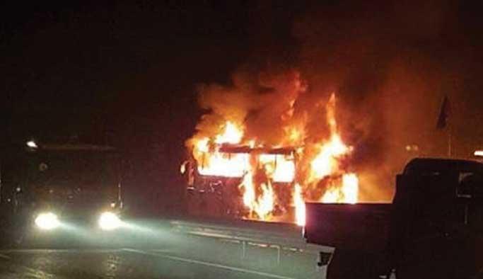 Ankara'da seyir halindeki otobüs yandı