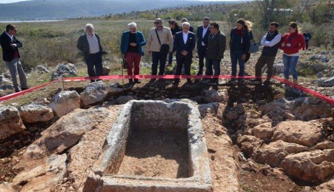 Bursa'da 2 bin 400 yıllık mezarlar bulundu