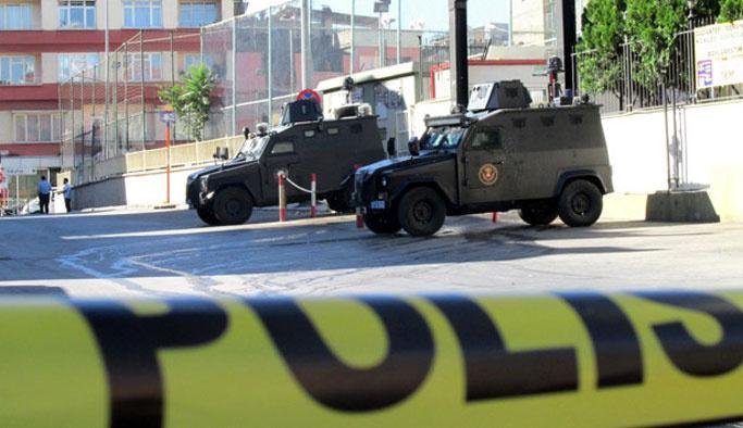 Diyarbakır'da polise silahlı saldırı: Bir yaralı