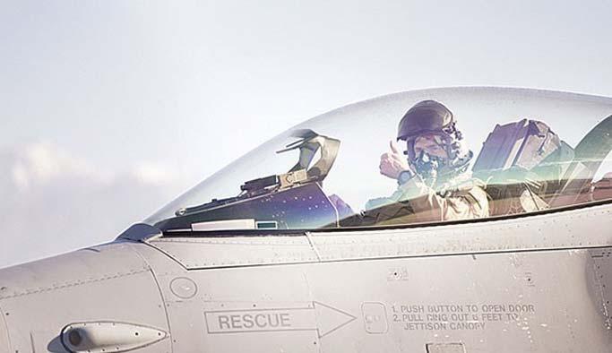 FETÖ şüphelisi pilotlar operasyonlara katılıyor