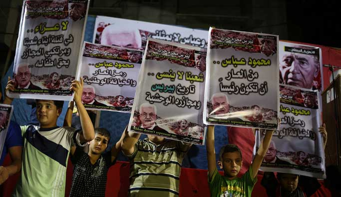 Filistinliler Mahmut Abbas'ı protesto etti