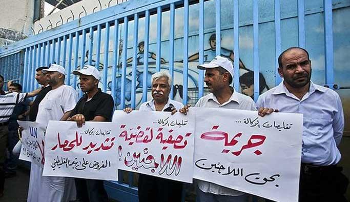 Gazze'deki UNRWA çalışanları greve gitti