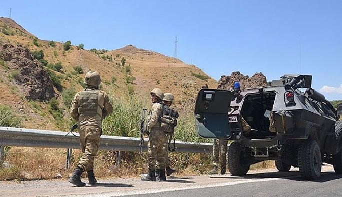 Üç PKK'lı öldürüldü, 6'sı teslim oldu