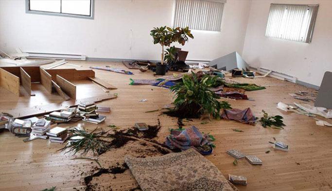 Kanada'da mescide saldırı