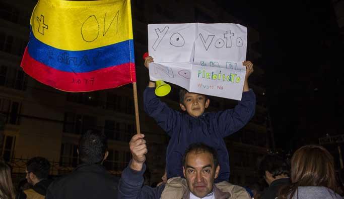 Kolombiya'da şok: Halk barışa 'hayır' dedi