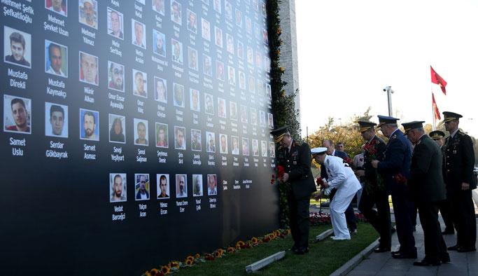 Komutanlar, İstanbul'da darbe izlerini inceledi