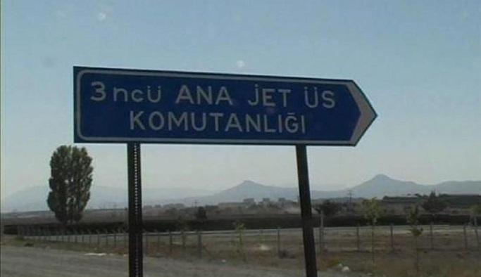 Konya'da hava üssünde 45 asker gözaltında