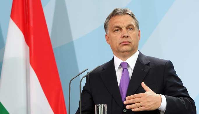 Macaristan'ın ırkçı başbakanından istifa resti