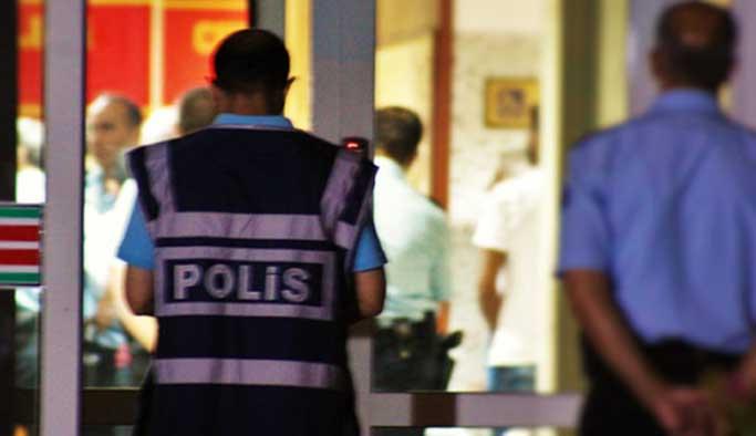 Manisa'da 10 polis tutuklandı