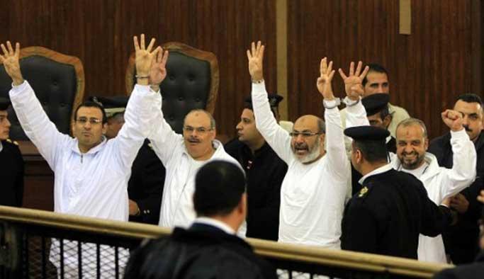 Mısır'da darbe sonrası 30 İhvan lideri öldü