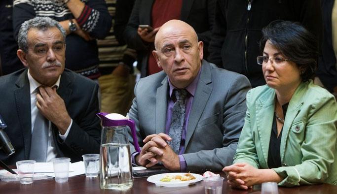 Peres'i boykot eden Filistinli vekiller hedefte