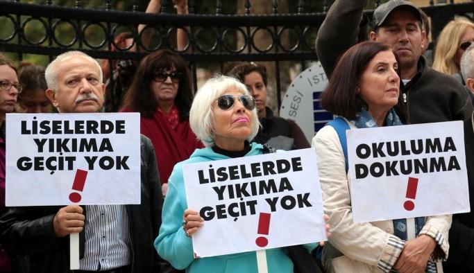 Proje okullarındaki tayinler protesto edildi