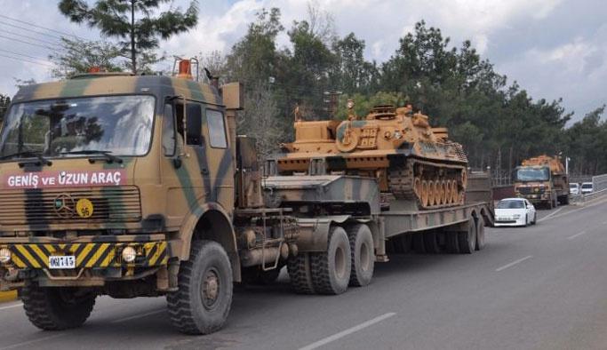 Tank ve zırhlı araçlar Silopi'ye vardı