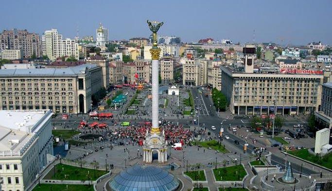 Ukrayna komünizm artıklarını temizliyor