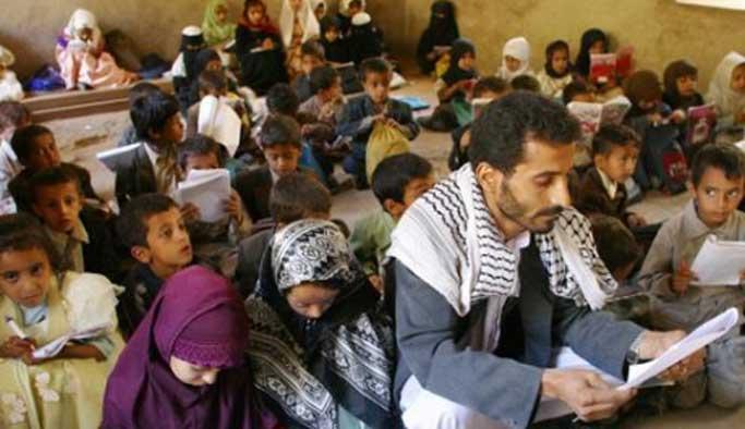 Yemen'de bölünmüşlük eğitimi de böldü