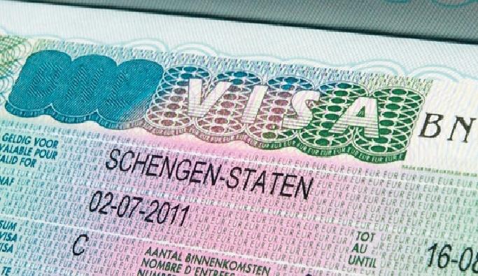 AB'den vizesiz seyahat edenlere güvenlik kontrolü