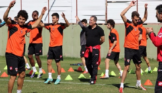 Adanaspor'da, Antalyaspor mesaisi başladı