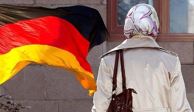 Alman vatmandan başörtüsü düşmanlığı