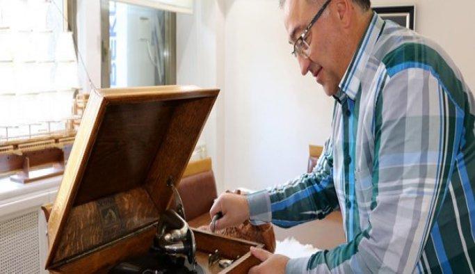 Atatürk'ün gramofonu çalışır hale getirildi