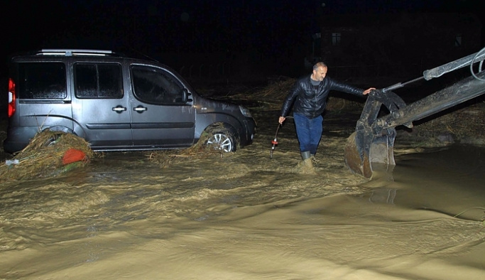 Ayvalık'ta okullara 'yağış' tatili