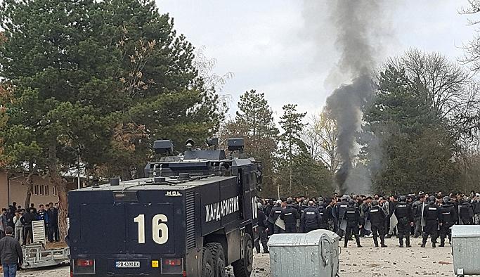 Bulgaristan'da sığınmacılarla polis çatıştı