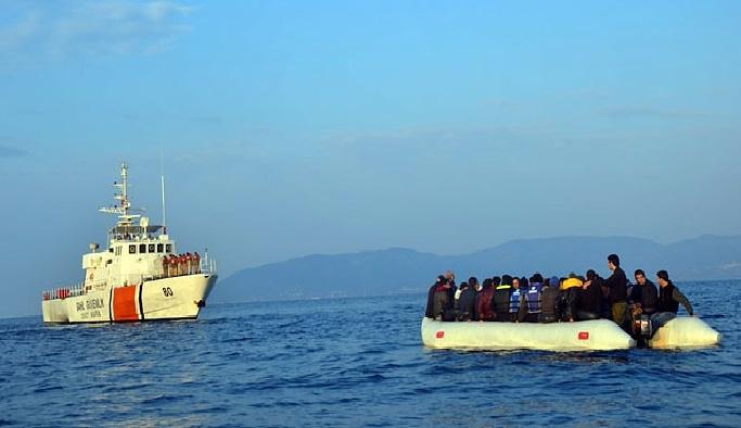 Ege denizi'nde 452 göçmen yakalandı
