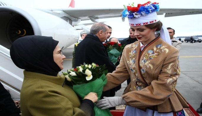 Emine Erdoğan, Belarus Müzesi'ni ziyaret etti