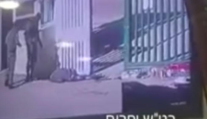 İsrail askerleri 'kendi iğrençliklerine' gülerken VIDEO
