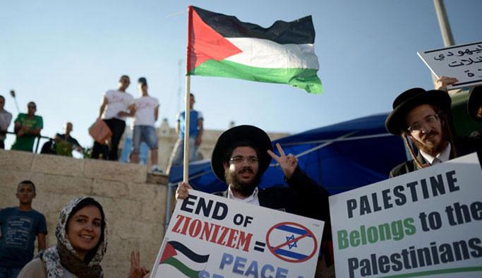 İsrail karşıtı Yahudiler'den protesto gösterisi