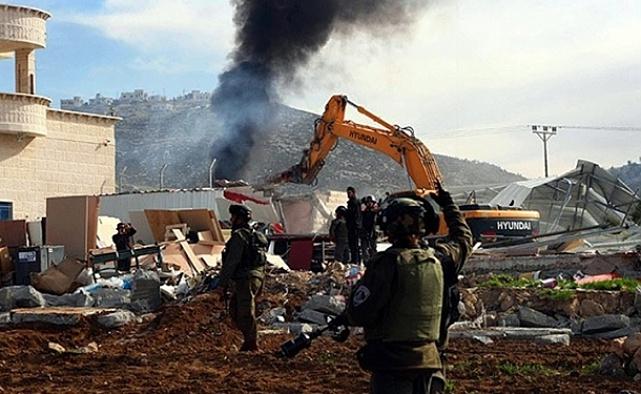 İsrail yapım aşamasındaki camiyi yıktı