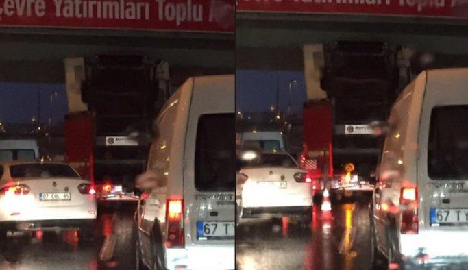 İstanbul'da iş çıkışı trafiği kilitleyen kaza