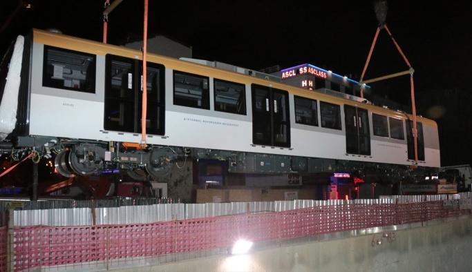 İstanbul'un yeni metro vagonları raylara indirildi